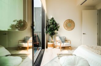 6 Indoor Plants for Bedroom that Purify Air and Beautify Room