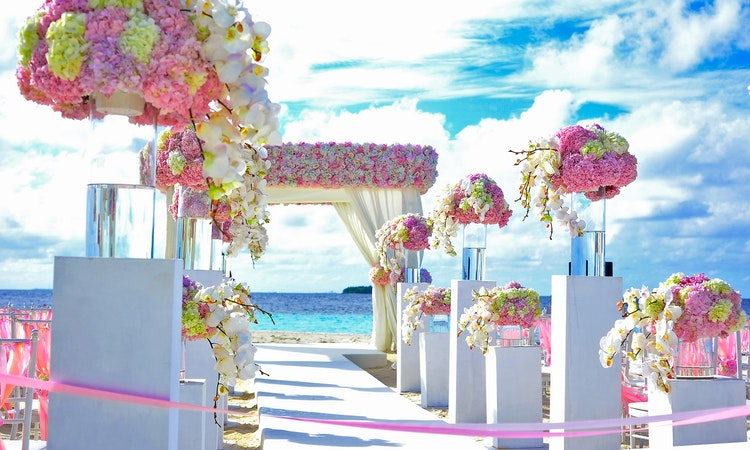 WHY THE WORLD IS MOVING TOWARDS OUTDOOR WEDDINGS
