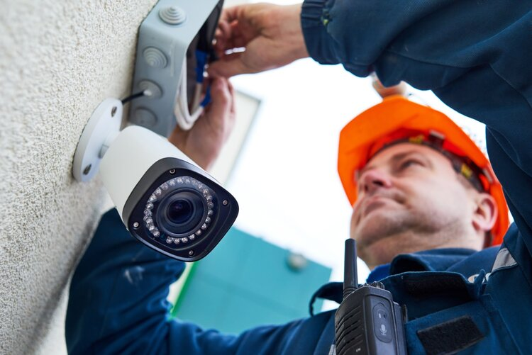 5 Reasons to Hire a Professional Security Company to Protect Your Home