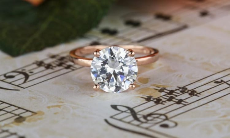 5 Reasons Why You Should Choose A Solitaire Engagement Ring