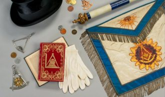 Why are White Masonic aprons famous?